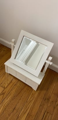 Make up mirror with drawers
