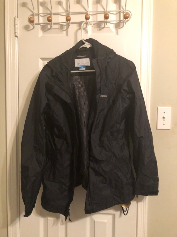 Columbia lightweight raincoat size L