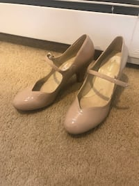 beige leather Mary-Jane pumps 9.5 New Baltimore, 48047