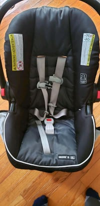 Graco car seat. For infant.