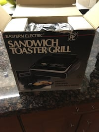 Black and gray oster toaster oven Toronto, M6A 2R2