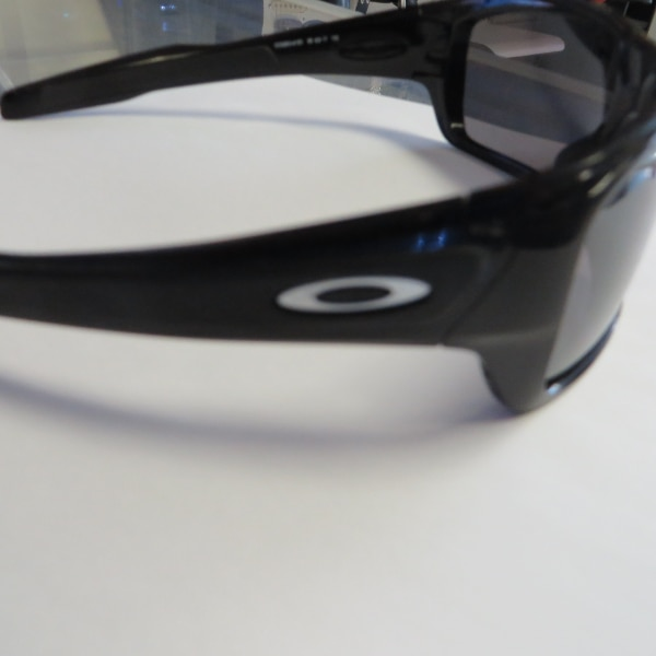 OAKLEY TURBINE SUNGLASSES POLARIZED LENSES OO (Phone number hidden by letgo) 7 1 0013b4ad-e9ce-43c1-9336-8de1b3e64a57