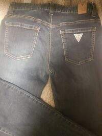 Guess Jean's size 28 Calgary