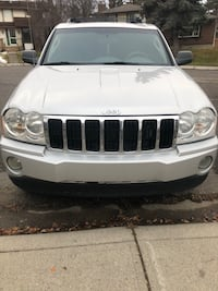 Jeep - Grand Cherokee Limited 5.7L Hemi- 2005 Calgary, T1Y 2A3