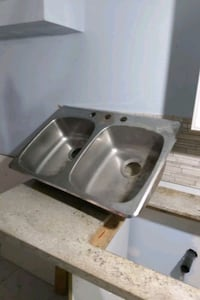 Double stainless steel kitchen sink Toronto, M9P 3V6