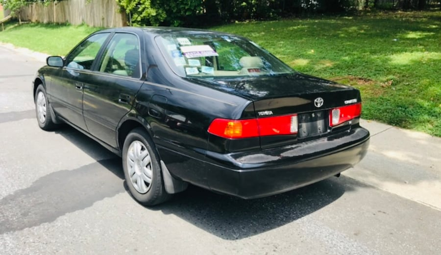Classic year 2000 Toyota Camry leather sunroof cold Ac 00b603a1-d04f-4d87-bee5-a65cce3cd741