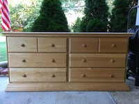 Wooden Bedroom Set For Sale Falls Church, 22042