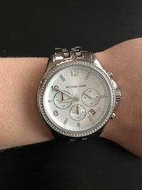 Round silver michael kors chronograph watch with silver link bracelet Palos Hills, 60465