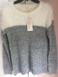 Vince Camuto XS women's sweater