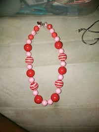 red and white beaded necklace Amarillo, 79104