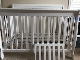Convertible Crib to Daybed