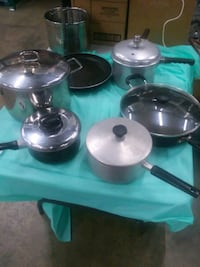 two stainless steel cooking pots Fairfield, 07004