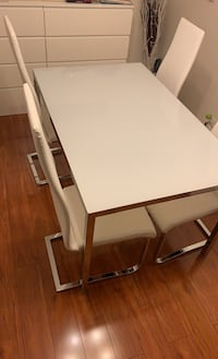 Dining Set (Table + 4 Chairs) Newprice $550