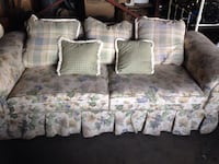 Floral Design Couch and Love Seat Set Waynesboro, 17268
