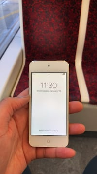 IPod Touch (Gen 6), 32GB Toronto, M5H 3T9