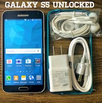 Galaxy S5 UNLOCKED w/ Accessories  Arlington