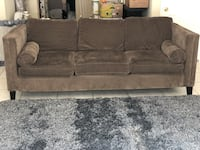 Couch Los Angeles, 91356