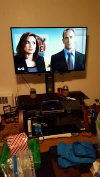 55 inch smart tblv with glass stand Oneonta, 13820