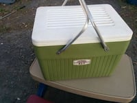 Vintage 60's Thermos ice box Clarence-Rockland, K0A 1E0