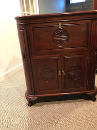 Beautiful Asian-style cabinet Aldie, 20105