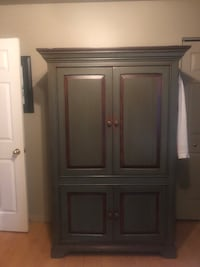 brown wooden cabinet with mirror Montréal, H9J 3S2