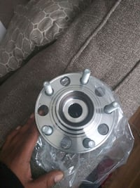 Wheel hub assembly with ball bearing x2 80$ a piece or best offer Baltimore, 21216