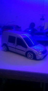 1/32 Ford Connect diecast 9152 km