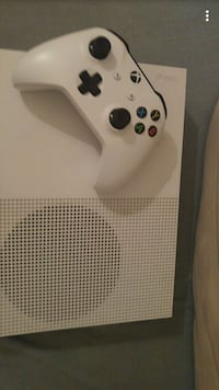 Xbox one S 1tb with 11 games Cobourg, K9A 4J9