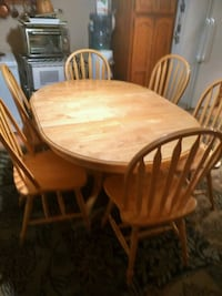 Oak kitchen table and 6 chairs 60x42 wth leaf in Mission, V2V 2Z4