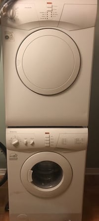 white front-load clothes washer 780 km