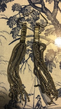 silver-colored chain link hook earrings