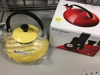 Le creuset kettle new in box  알렉산드리아, 22315