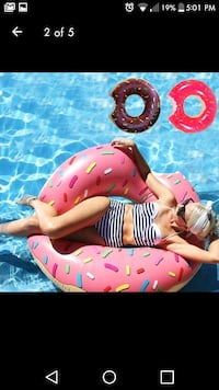 New inflatable pink doughnut floating pool toy   Montreal, H8T