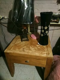 Table and everything on table for sale Berwyn, 60402