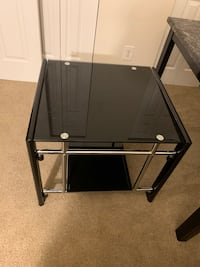 End tables in very good condition  Norfolk