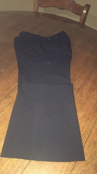 size 6 pants  woman new  Harpers Ferry, 25425