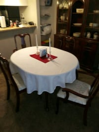 Mohagany dinning room table