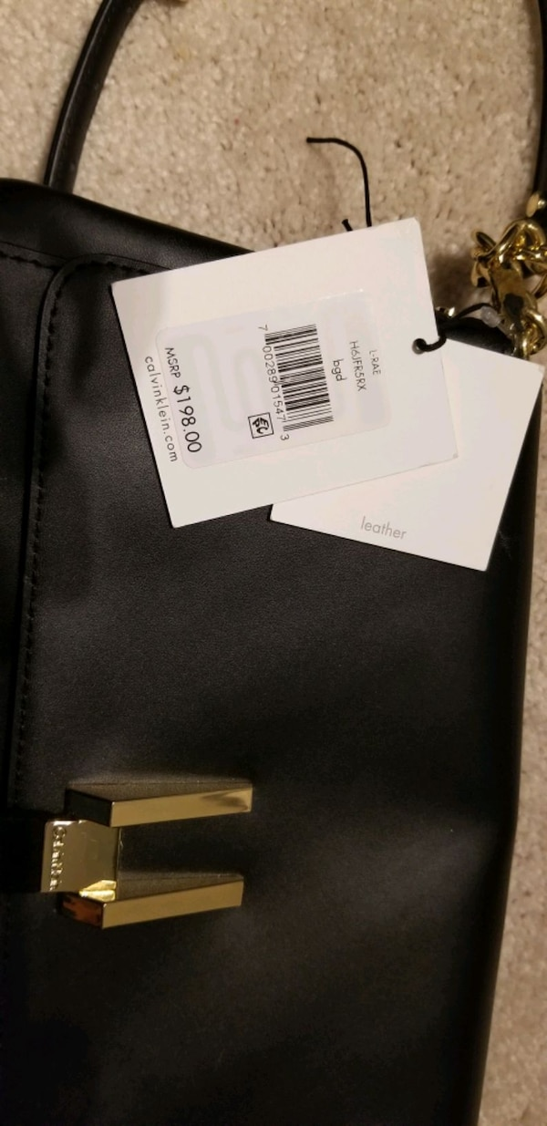 Calvin Klein genuine leather purse a4dabf62-d99f-446e-ae43-e36b6ea36ef8