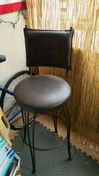 black leather padded rolling chair San Diego, 92109
