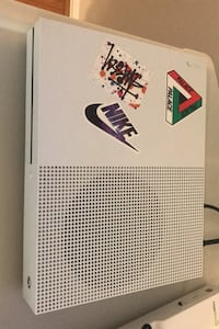 Xbox One S 500gb (Comes With Original White Controller) Laurel, 20707