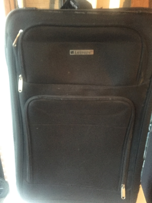 In great condition medium luggage