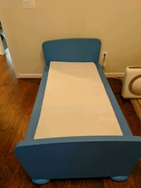 Child bed frame and mattress