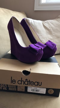 Purple suede wedge heels Barrie, L4N 6Y5
