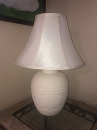 White ceramic base white shade table lamp Sweetwater, 33174