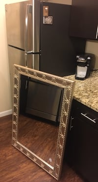 Elegant well maintained mirror Apple Valley, 55124
