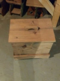 Wooden storage box Hamptonville, 27020