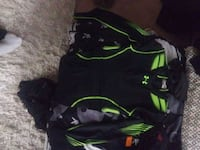 Mens small under armour protective riding shirt  Cambridge, N1T 1J7
