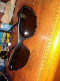 black framed Ray-Ban wayfarer sunglasses District Heights, 20747