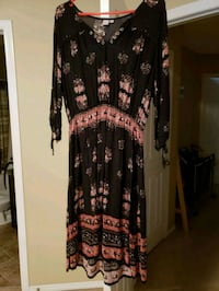 Twik dress from Simons size large Calgary, T3K