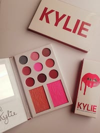 white and pink Kylie eyeshadow palette case Mesa, 85210